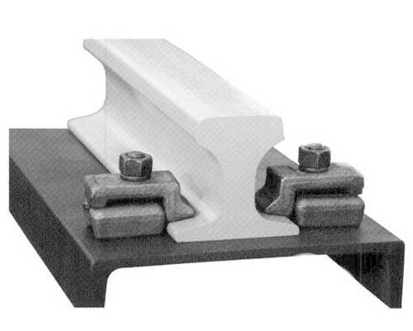 rail retainer in rail fastening system